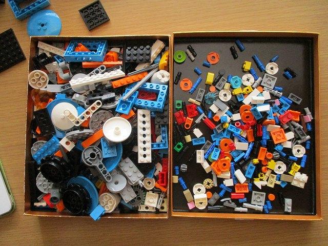 レゴブーストのレゴを箱の中で開けるとよい